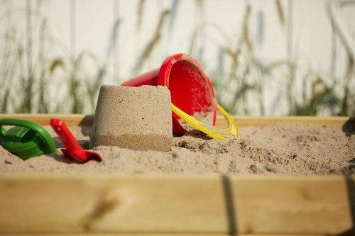 Sandkasse m/ryglæn 120x120cm, trykimprægneret fyr